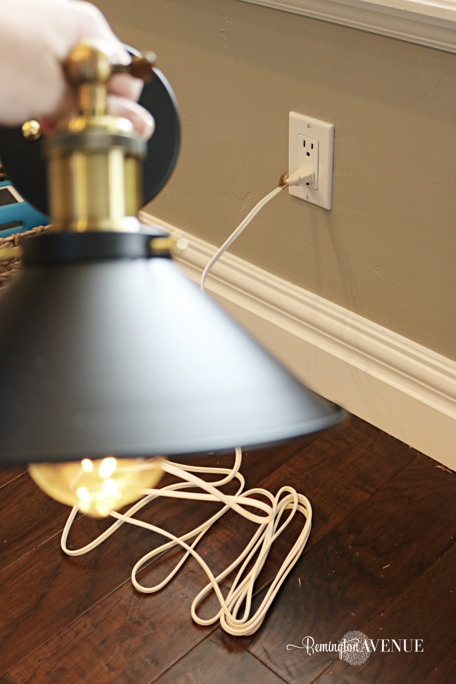 Magnificent How To Convert Hard Wired Light Fixtures Into A Plug In Remington Letkol Mohammedshrine Wiring Cloud Letkolmohammedshrineorg